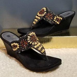 WHITE MOUNTAIN Black Sandals with beading 10